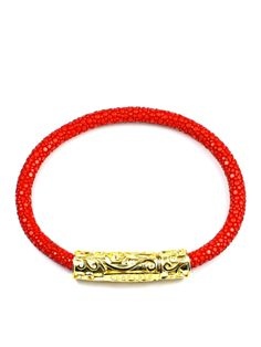 Red Stingray Leather Lock made of Solid 925 Sterling Silver with Gold Plating Product Code: This bracelet is handcrafted from compelling Lady In Red, 18k Gold, Plating, Texture, Sterling Silver, Bracelets, Leather, Jewelry, Bangles