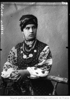 5-11-11  Une beauté de la Petite Russie (Ukraine). 1908