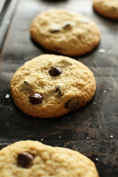 Gluten Free Chocolate Chip Cookies! minimalistbaker.com