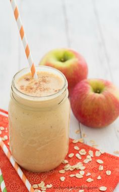 Pumpkin-Apple Breakfast Smoothie - a healthy fall smoothie! | Kristine's Kitchen #smoothies #pumpkin #breakfast