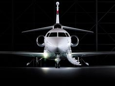 Dassault Falcon Mach Cruising speed, Range nm, 8 passengers and 3 crew, 30 different customizable floor plans. The Falcon will fly at Mach Aviation Forum, Aviation News, Luxury Private Jets, Private Plane, Marcel Dassault, Ranger, Jet Privé, Dassault Aviation, 8 Passengers