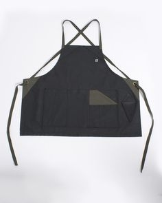 A proper Barber needs a proper apron and that's exactly what H&B has set out to do! What if you could have an apron made of deadstock fabric with a waxed coatin