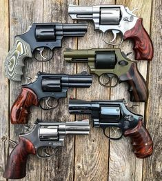 Your daily dose of Smith and Wesson wheel guns Weapons Guns, Airsoft Guns, Guns And Ammo, Zombie Weapons, Smith And Wesson Revolvers, Smith N Wesson, 357 Magnum, Armas Ninja, Lever Action Rifles