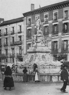 Antigua imagen Fuente Neptuno.MADRID Old Pictures, Old Photos, Foto Madrid, World Cities, World Traveler, Athens, Barcelona, To Go, City