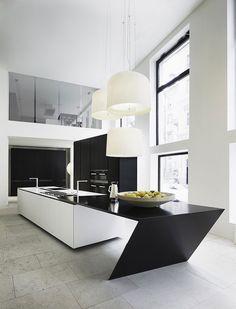 Cucina bianca e nera dal design moderno 10