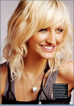 Ashlee Simpson's Hair Is Shorter, If You Want to Make a Note on Your ...  Ashlee Simpson