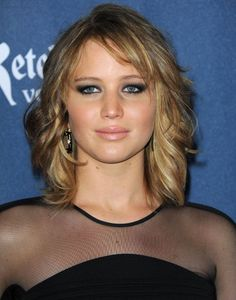 Jennifer Lawrence shoulder length layered hair