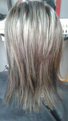 Baddie Hairstyles From black.Baddie Hairstyles From black Medium Layered Hair, Medium Hair Cuts, Medium Hair Styles, Natural Hair Styles, Short Hair Styles, Baddie Hairstyles, Messy Hairstyles, Everyday Hairstyles, Formal Hairstyles