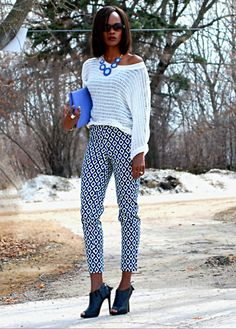 Outfit of the day post: Printed pants stylemydreams.wordpress #ootd #spring #prints #printedpants #springtrends #statementnecklace #mesh #opentoedbooties #foldoverclutch