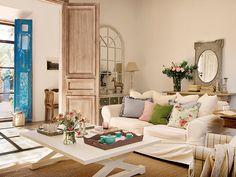 Decoração de: Sala de estar; mesa de centro branca quadrada; Casa de Valentina