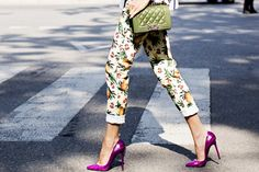 Photo 4 Milan str S14 209_2Tropiktrenden is mega huge. Get style inspiration from the look with pineapple jeans, pumps, and green quilted Chanel bag.