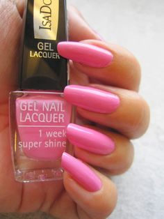 My natural nails with IsaDora Gel Effect Lacquer Pink Bomb 222. Such a lovely colour! www.funkyandfifty.blogspot.com