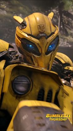 Who Else Wants Optimus Prime Cupcakes Transformers Prime Bumblebee, Transformers Optimus Prime, Transformer Videos, Paramount Movies, Paramount Pictures, Fullhd Wallpapers, Hasbro Studios, Get Tickets, Bumble Bee Transformer