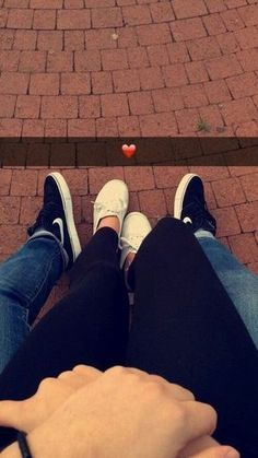 goals pictures Selfies que debes tomarte con tu BAE cuando andan romanceando Selfies you should take with your BAE when they are romantic Cute Couple Selfies, Cute Couple Pictures, Couple Goals Relationships, Relationship Goals Pictures, Couple Relationship, Couple Photography Poses, Teen Girl Photography, Romantic Couples Photography, Couples Images