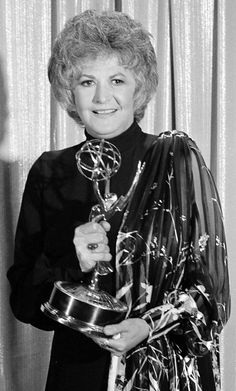 From gloved hands to ballroom gowns, here's what the past best actress winners have worn to the Primetime Emmys. Dorothy Zbornak, Bea Arthur, Ballroom Gowns, The Emmys, Golden Girls, Best Actress, Hulk, Celebrity Style, The Past