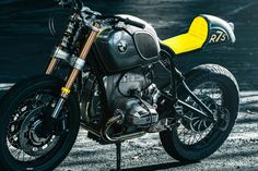 Stunt Double: A custom BMW R75/6 sporting the colors of the Breitling Jet Team.