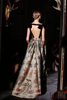 Valentino - Haute couture - Automne-hiver 2013-2014 - http://www.flip-zone.com/fashion/couture-1/fashion-houses/valentino-4003 - ©PixelFormula