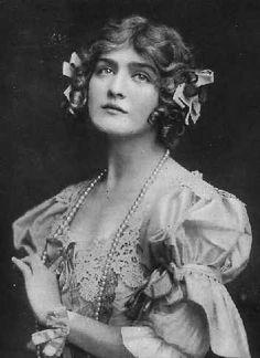 Lily Elsie, Edwardian era actress and acclaimed beauty Lily Elsie, Edwardian Era, Edwardian Fashion, Victorian Ladies, Victorian Era, Belle Epoque, Vintage Photographs, Vintage Photos, Divas