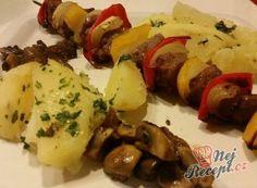 Nejlepší recepty na špízy | NejRecept.cz Bbq, Meat, Chicken, Food, Recipes, Pineapple, Syrup, Barbecue, Barbecue Pit