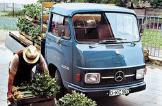 Mercedes-Benz 206 D and L L 306 D and on Hanomag-Henschel basis. Mercedes Benz Maybach, Mercedes Benz Transporter, Mercedes Truck, Benz Car, Best Classic Cars, Classic Trucks, Microcar, Daimler Benz, Bentley Mulsanne
