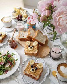 忙しい朝でも気分ルンルン!お手軽アレンジ「くまトースト」にほっこり おうちごはん Food N, Food And Drink, Creative Food, Toast, Table Decorations, Breakfast, Desserts, Recipes, Nice