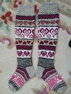 Mukaillut Anelmaiset, Ei Nauhoja Eikä Ku - Diy Crafts - maallure Wool Socks, Knitting Socks, Free Knitting, Knitting Patterns, Diy Crochet, Filet Crochet, Patons Yarn, Diy Crafts Knitting, Knit Picks