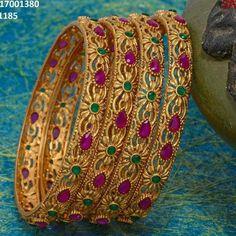 Beautiful jewelry for women Gold Bangles Design, Jewelry Design, India Jewelry, Gold Jewelry, Jewelery, Fine Jewelry, Pakistani Jewelry, Fashion Jewellery Online, Diamond Bangle