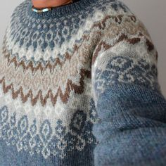 Ravelry: Laureus' Svissari charts only Fair Isle Knitting Patterns, Sweater Knitting Patterns, Knitting Designs, Knit Patterns, Hand Knitting, Knitting Sweaters, Punto Fair Isle, Norwegian Knitting, Icelandic Sweaters