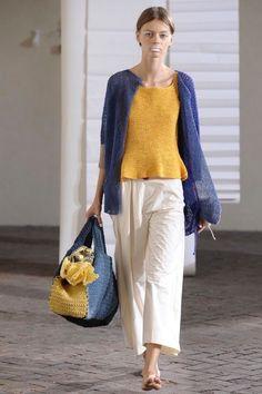 Daniela gregis : 네이버 블로그 Diy Crochet And Knitting, Crochet Tote, Crochet Woman, Knit Fashion, Womens Fashion, Sewing Pants, Beautiful Costumes, Embroidery Fashion, Street Outfit