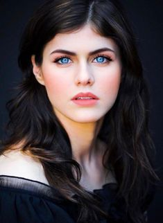 Pretty Eyes, Beautiful Eyes, Hollywood Celebrities, Hollywood Actresses, Beautiful Celebrities, Beautiful Actresses, Alexandra Daddario Images, Belle Photo, Portraits