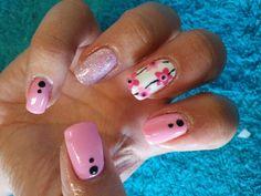 Light summer pink nail art