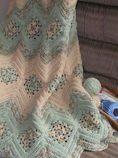 PRETTY! Crochet Granny Square Ripple Chevron Afghan