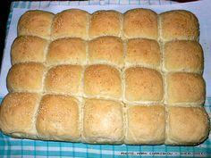 Σπιτικό ζυμωτό ψωμί - βήμα βήμα και για άσχετους Hot Dog Buns, Hot Dogs, Food Art, Bread Recipes, Food To Make, Recipies, Desserts, Breads, Kitchens