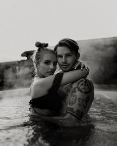 849 mentions J'aime, 47 commentaires – F o x t o g 🦊 (@dylanfox) sur Instagram : «The water wasn't steaming until they got in.» Couple Shoot, Couples, Creative, Instagram, Couple