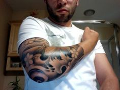 Right Sleeve Of Japanese Wave Tattoo For Men photo - 1 Japanese Wave Tattoos, Japanese Waves, Japanese Sleeve Tattoos, Elbow Tattoos, Body Tattoos, Carp Tattoo, I Tattoo, Cloud Tattoo Sleeve, Tattoo Sleeves