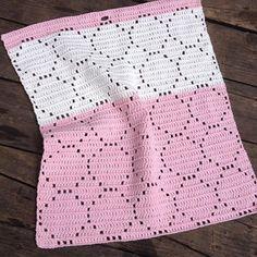 Nyt mønster #hæklet #håndklæde #crochet #cotton #bomuldsgarn #gæstehåndklæde #køkkenhåndklæde #stangmasker #sjovtatlavemitegetmønster #12monthsofcrochet2016 #12moc2016 NO 47
