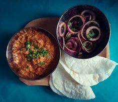Szuper szaftos csirke tikka masala - Helló Curry! Masala Chai, Hummus, Curry, Menu, Ethnic Recipes, Food, Cilantro, Menu Board Design, Curries