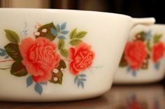 I want this vintage pyrex! ♥