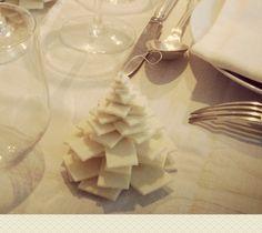 alberelli in feltro da usare come segnaposti, chiudipacco, decorazioni natalizie in genere