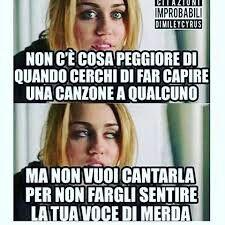 Capita solo a me? Funny Video Memes, Stupid Funny Memes, Funny Relatable Memes, Funny Posts, Super Funny, Really Funny, Funny Images, Funny Pictures, Verona