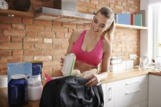 Eat to Perform: 4 Great Pre-Workout Meal Options / Fitness / Exercises Pre Workout Nutrition, Pre Workout Supplement, Meal Prep Bag, Best Meal Prep, Meal Preparation, Workout Supplements For Men, Best Muscle Building Foods, Eat To Perform, Easy Weekly Meals
