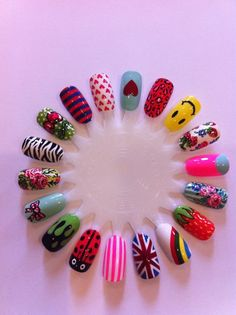 Beautiful nail art designs that are just too cute to resist. It's time to try out something new with your nail art. New Nail Art, Cute Nail Art, Cute Nails, Pretty Nails, Funky Nails, Nail Design Stiletto, Nail Design Glitter, Stiletto Nails, Nail Art Designs