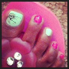 My latest pedicure #nailart #pedicure #fancyfeet #sexybagsnshoes
