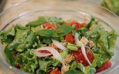 Salată cu ton și legume Green Beans, Spinach, Vegetables, Food, Green, Salads, Essen, Vegetable Recipes, Meals