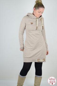 Die kalte Jahreszeit hat uns nähtechnisch schon voll im Griff. Hoodies, Sweatkleider und Jacken mit Lederapplikationen und dicken Kordeln sind schwer im Trend. Doch gerade diese dicken Kordeln sind…