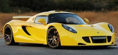 #1 Hennessey Venom GT - top speed 270mph. Raced by a professional driver on February 14th, 2014 on the NASA runway, Florida and broke the existing Bugatti Veyron top speed of 257mph although the NASA runway is only 3.22 miles long limiting the overall speed achieved by the Hennessey. This has a 7.0 litre LS7 Turbocharged V8 Twin Turbo engine - 1244hp. The Hennessey is capable of 0-60mph in 2.5seconds and has a minimum price tag of $1,000,000.