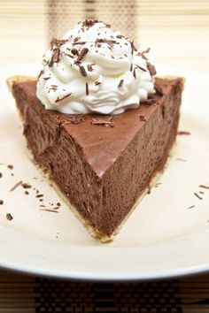 No Bake 4 Ingredient Nutella Cheesecake Pie Recipe