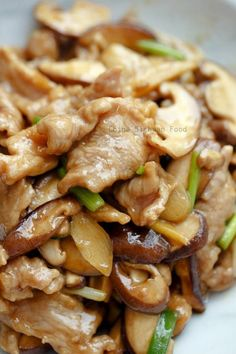 Check it out pork and mushroom stir fry (reduce carbs by using xanthan gum instead of cornstarch) The post Pork and Mushroom Stir Fry appeared first on Recipes . Check it out pork and mushroom stir fry (reduce carbs by using xanthan gum inste. Healthy Diet Recipes, Meat Recipes, Vegetarian Recipes, Chicken Recipes, Rabbit Recipes, Delicious Recipes, Tasty Recipe, Healthy Chicken, Asian Food Recipes