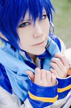 Discovered by Maria Barboza. Find images and videos about cosplay, vocaloid and kaito on We Heart It - the app to get lost in what you love. Cosplay Vocaloid, Vocaloid Kaito, Cosplay Anime, Kaito Shion, Cosplay Boy, Epic Cosplay, Cosplay Makeup, Amazing Cosplay, Cosplay Outfits