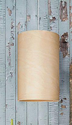 Hängeleuchte aus Holz-Furnier, zu finden auf Etsy.